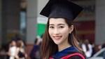 Hoa hậu Đặng Thu Thảo xinh tươi ngày tốt nghiệp đại học
