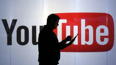 Bê bối 'quảng cáo bẩn': Google bị tẩy chay, cổ phiếu mất giá
