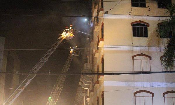 TPHCM chi viện Cần Thơ dập cháy công ty may bùng phát