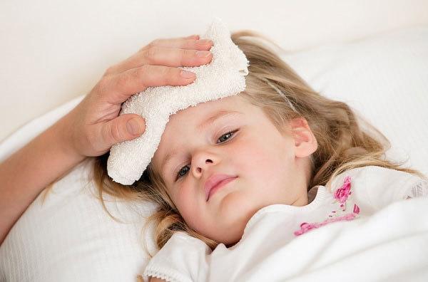 sốt, sốt cao, co giật, thuốc hạ sốt, hạ sốt