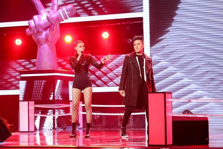 Hotgirl 16 tuổi 'thoát chết' ở The Voice vì lý do không thể ngờ