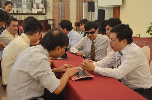 Dạy tin học cho người mù tại thư viện sách nói TP.HCM