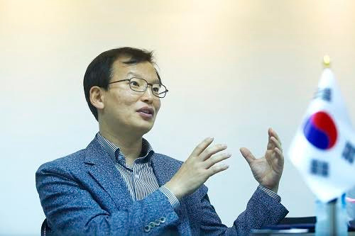 Ông Cho Nam Il - Tổng Giám đốc Công ty Cổ phần Thực phẩm Đức Việt.