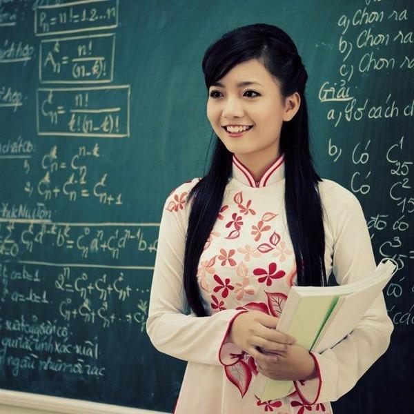 Cô giáo 9X xinh đẹp trường Ams đoạt giải tài năng, duyên dáng