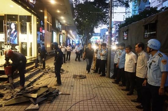 Phá tam cấp nhà hát trăm tuổi, ông Đoàn Ngọc Hải: 'Tôi làm đúng…'