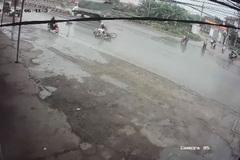 Cô gái gây tai nạn, bỏ mặc nạn nhân bất tỉnh trên đường mưa