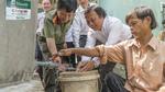 Manulife Việt Nam tài trợ 100 bể chứa nước cho người nghèo