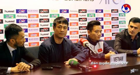 HLV Hữu Thắng phát biểu trước trận đấu