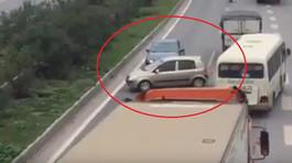 3 ôtô rồng rắn chạy ngược chiều trên cao tốc Hà Nội - Bắc Giang