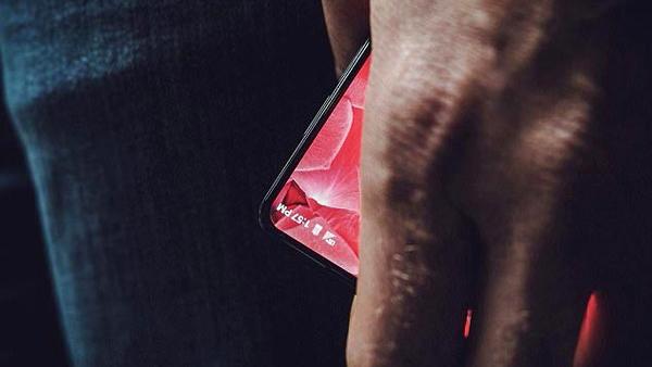 """""""Cha đẻ"""" Android bất ngờ hé lộ về smartphone bí mật"""