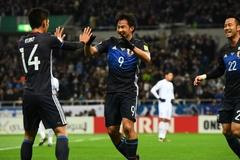 Đá đôi công, Thái Lan thua vỡ mặt trước người Nhật
