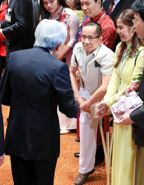 Người em của cặp song sinh Việt Đức làm giáo sư thỉnh giảng ở Nhật