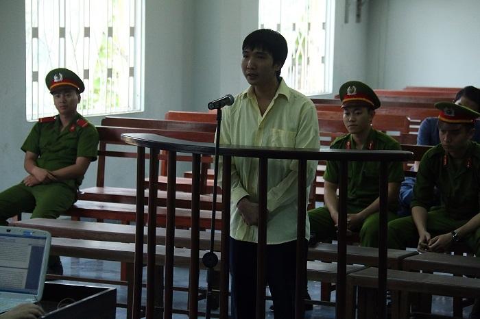 Đà Nẵng: Xử phóng viên tống tiền dân 15 tháng tù giam