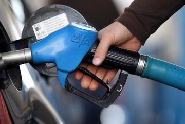 Cách loại bỏ nước trong bình xăng ô tô