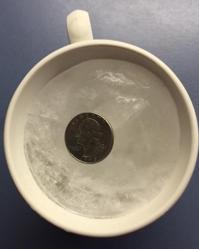 Mẹo kiểm tra độ tươi của thực phẩm trong tủ lạnh bằng đồng tiền xu