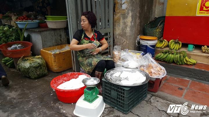 bánh trôi, bánh trôi bánh chay, bán bánh trôi, Tết Hàn thực, Hà Nội