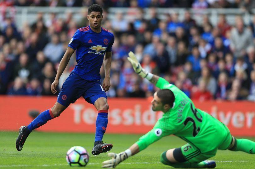 MU thưởng lớn De Gea, Wenger chặn Sanchez sang Chelsea