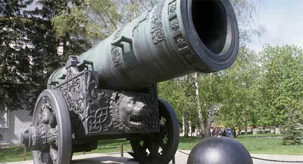 Súng thần công Vua: Biểu tượng bất khả chiến bại của Nga
