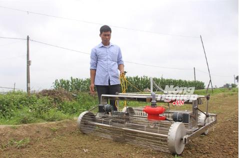 Hai lúa Việt chế robot khiến người Do Thái ngả mũ