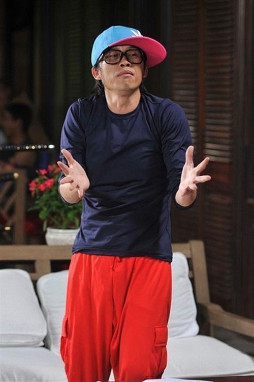 Hoài Linh U50 vẫn ăn mặc trẻ trung không ngờ