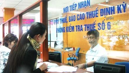 Bảo vệ làm cán bộ thuế, hotgirl lên trưởng phòng, Thứ trưởng vẫy taxi đi làm
