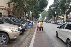 Hà Nội sẽ cấm đỗ xe trên vỉa hè có diện tích hẹp