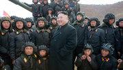 Ông Kim Jong Un thị sát 'quả đấm thép' tập trận