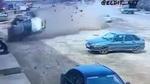 Tài xế bay khỏi ghế lái sau khi ô tô gặp nạn cuộn nhiều vòng