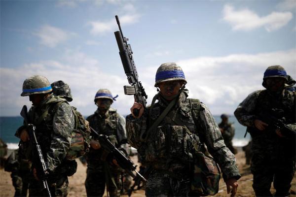 Cảnh lính Mỹ-Hàn tập đổ bộ cực kỳ ấn tượng