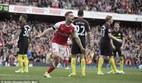 Arsenal cưa điểm nghẹt thở với Man City