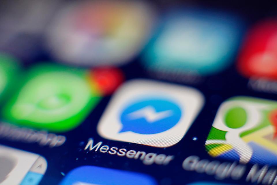 Facebook Messenger, Facebook