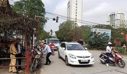 khu đô thị kiểu mẫu Linh Đàm, khu đô thị Linh Đàm, ùn tắc giao thông