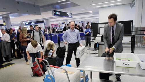Khủng bố tìm được cách cài bom trong laptop, có thể qua mặt an ninh sân bay