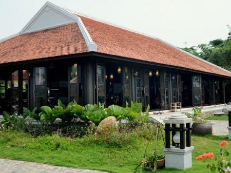 Ngắm loạt biệt thự gỗ sang trọng của sao Việt