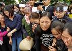 Phút tiễn bé bị sát hại ở Nhật, trăm người bật khóc