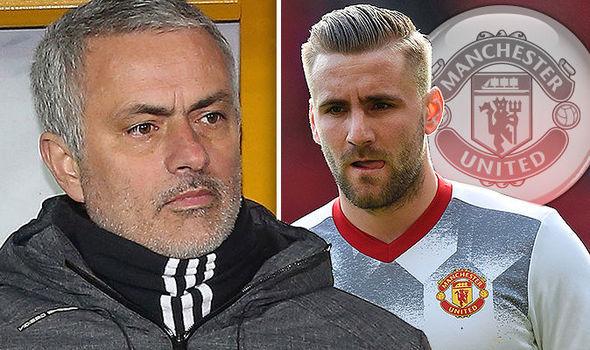 Lộ lý do Mourinho 'bỏ rơi' Shaw, Ronaldo 'mơ' MU