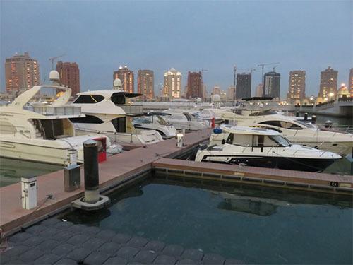 Chuyện lạ, thu nhập, siêu giàu, giàu có, du thuyền,