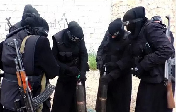 IS tung biệt đội nữ xạ thủ khét tiếng