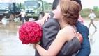 Video cha bật khóc tiễn con gái về nhà chồng chạm đến trái tim người xem