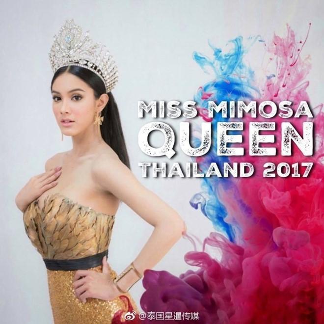 Hoa hậu chuyển giới Thái Lan nổi bật khi đi khám nghĩa vụ quân sự