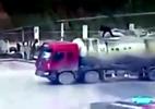 Người đàn ông bị thổi bay lên không trung từ nóc xe bồn