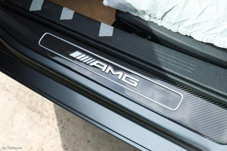 'Soi' Mercedes-AMG C63 giá 4,6 tỷ của Cường Đô la
