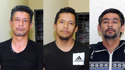 5 kẻ nước ngoài đâm thủng lốp ô tô lấy trộm 1,6 tỷ