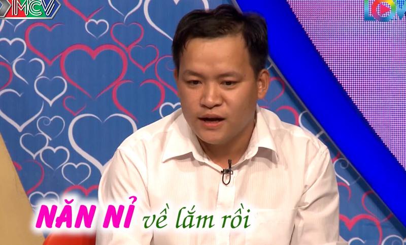 Quyền Linh, Cát Tường 'thót tim' vì sự cố lặp lại trên sân khấu