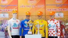 Áo vàng giải xe đạp cúp truyền hình nhận 100 triệu đồng