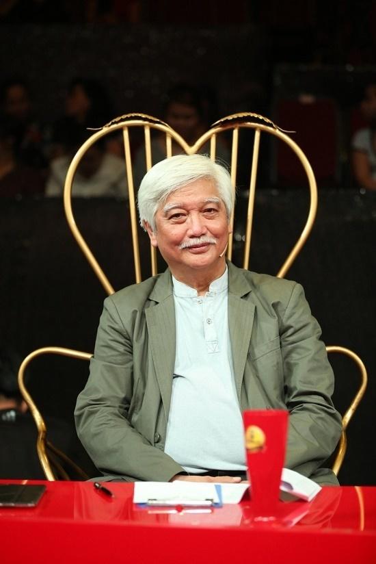 Nghệ sĩ 64 tuổi không ngại đóng giả Sơn Tùng hát 'Lạc trôi'