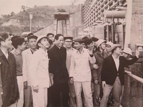 Tổng bí thư Lê Duẩn, Chủ tịch Hồ Chí Minh, Hiệp định Giơ-ne-vơ