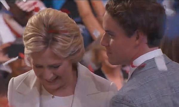 'Hot boy' nhà Clinton làm người mẫu