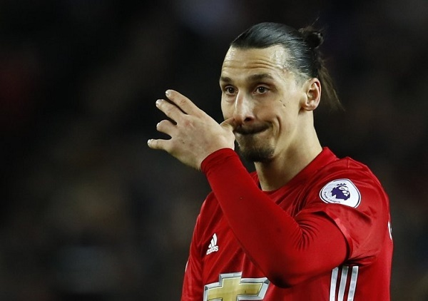 Hoang mang MU: Ibrahimovic cáu bẳn, Mourinho muốn độn thổ