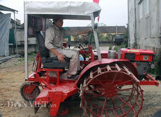 """Máy cày, bừa siêu đa năng 4 trong 1 của """"kỹ sư"""" nông dân xứ Nghệ"""